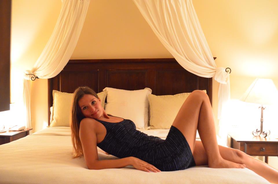 Alexandra Kovacova of crazysexyfuntraveler.com