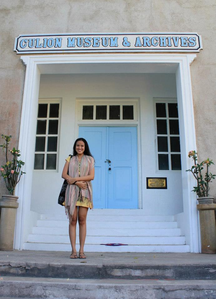 Me infront of the Culion Museum - Please open the door! Please!!!