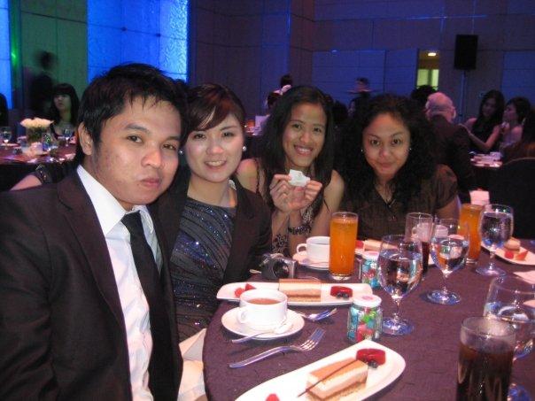 At the 1st Nuffnang Blog Awards with Maki and Ada (Rare photo moment!)