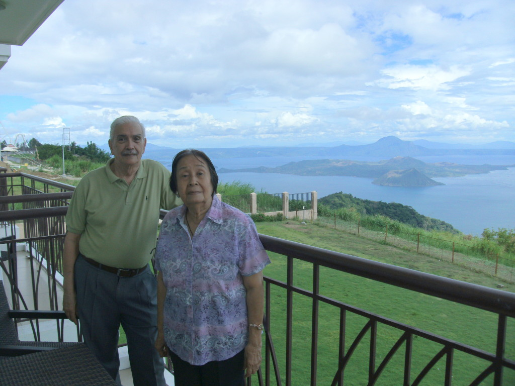 Lolo Peping and Lola Paquita: The best couple ever! :D