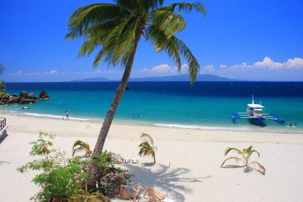 Talipanan Beach in Puerto Galera | Photo by Lakwatsera de Primera