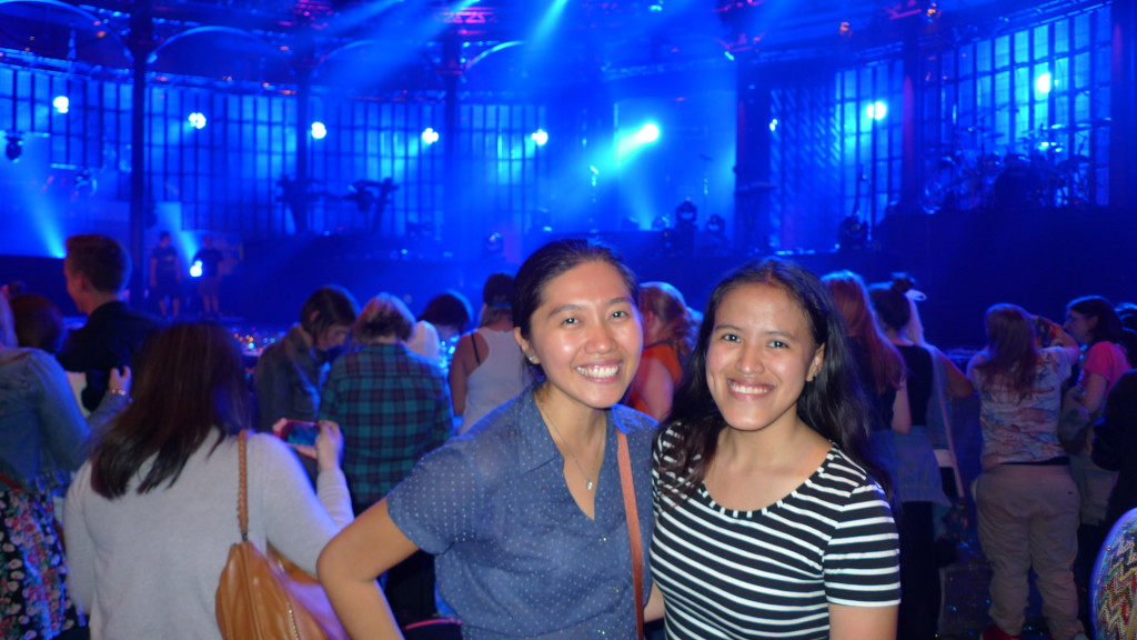 Tired but happy Pinay fangirls in Roundhouse after the show