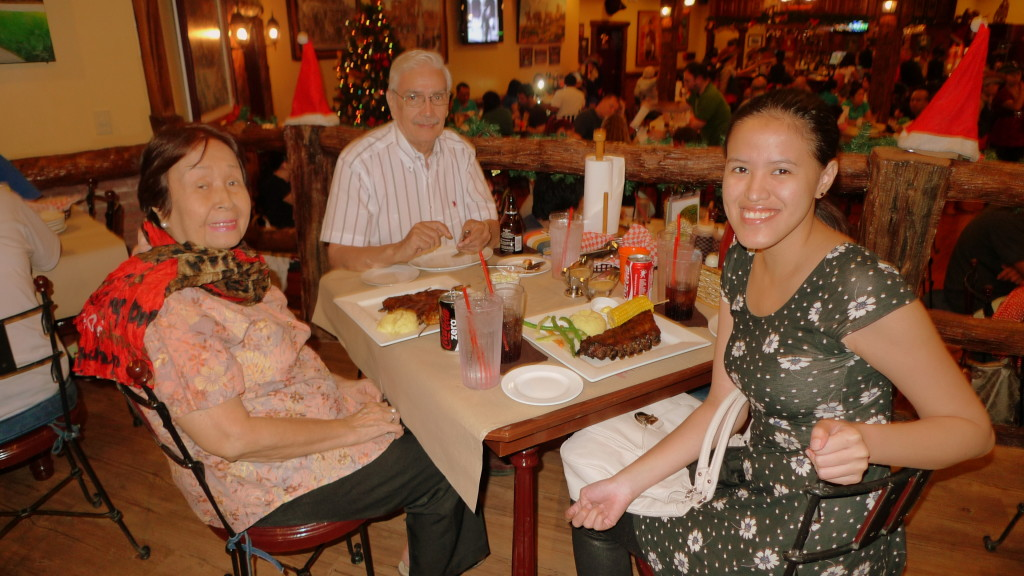 Dinner with Lolo and Lola at Texas Joe's House of Ribs