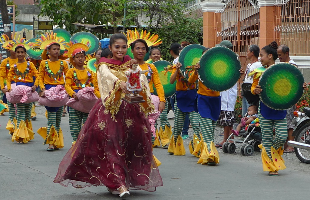 Binalonan-Fiesta-Street-Dancing
