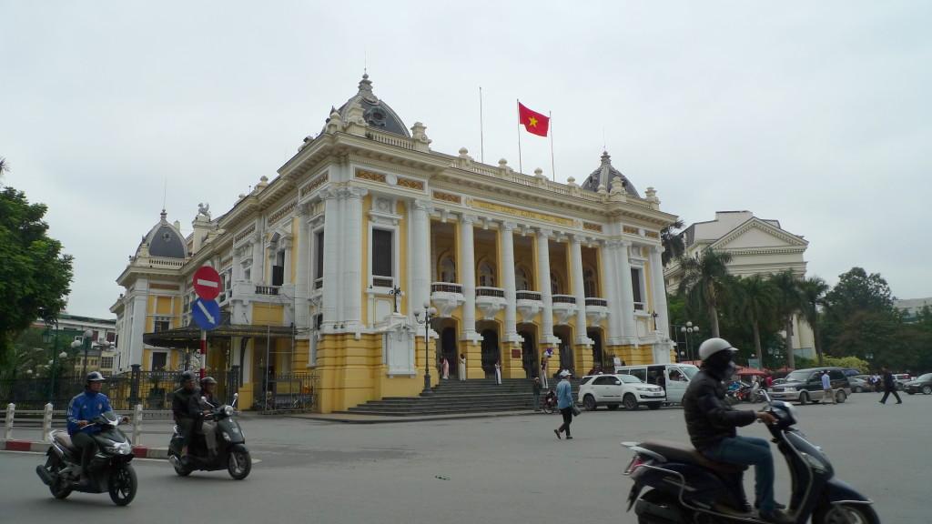 Hanoi-Cyclo-OperaHouse