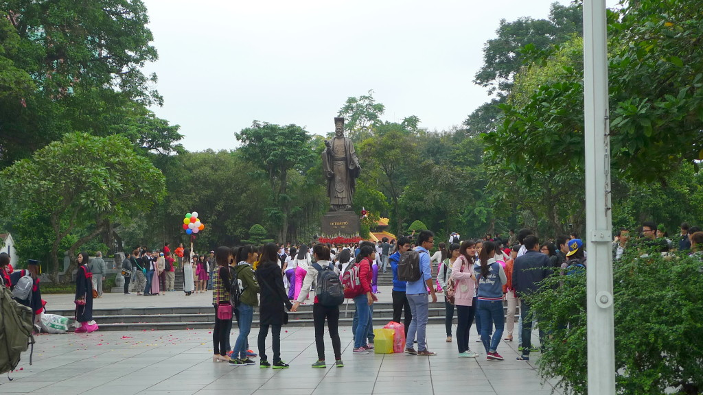 Hanoi-CycloTour-Graduates