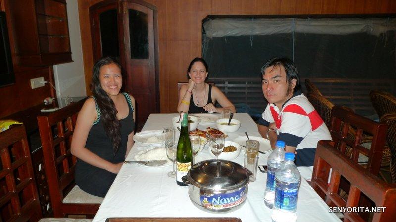 Dinner on the houseboat + White Wine