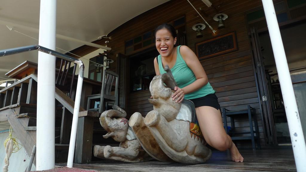 Happy Pinay travel blogger @ Happy Elephant Restaurant
