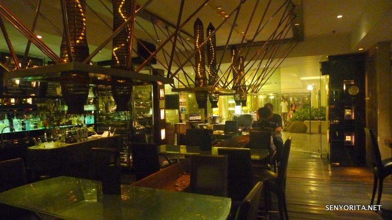 09-Ratchaprasong-Bar941-Indoor