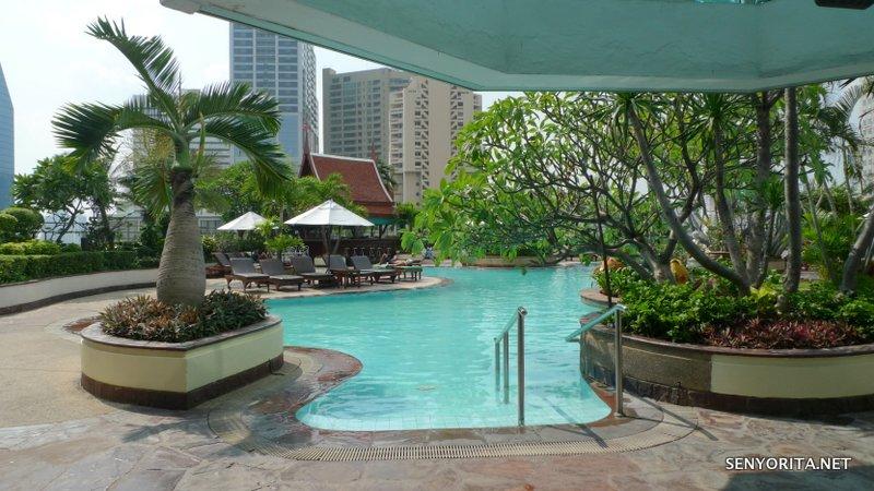 23-Hotel-Windsor-Suites-Swimming-Pool3