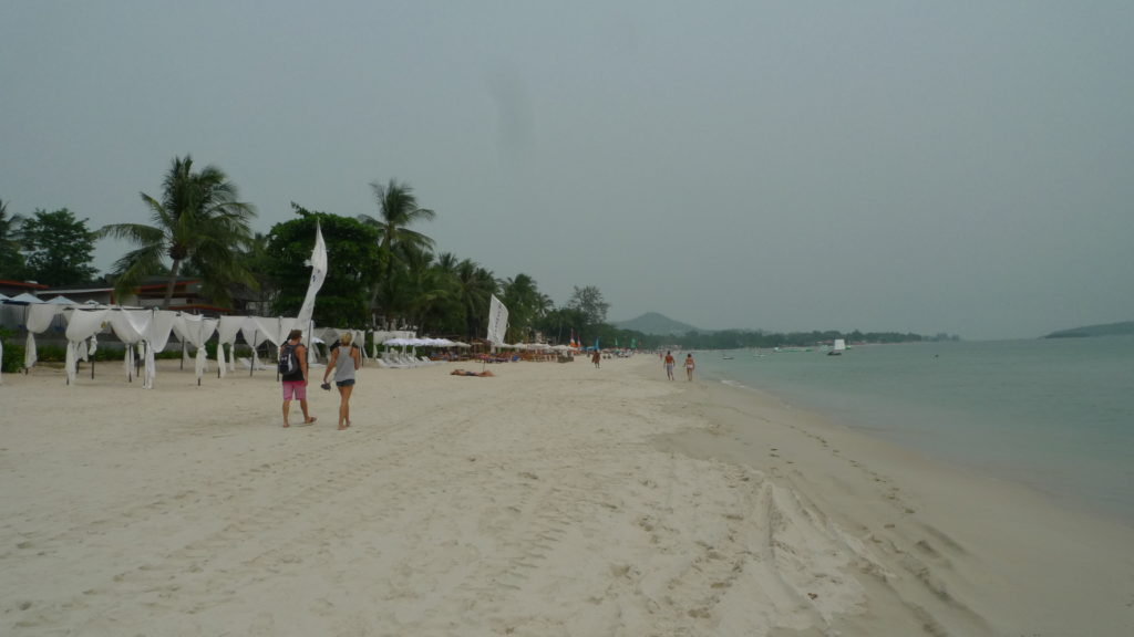 Strolling at Chaweng Beach in Samui on a gloomy morning
