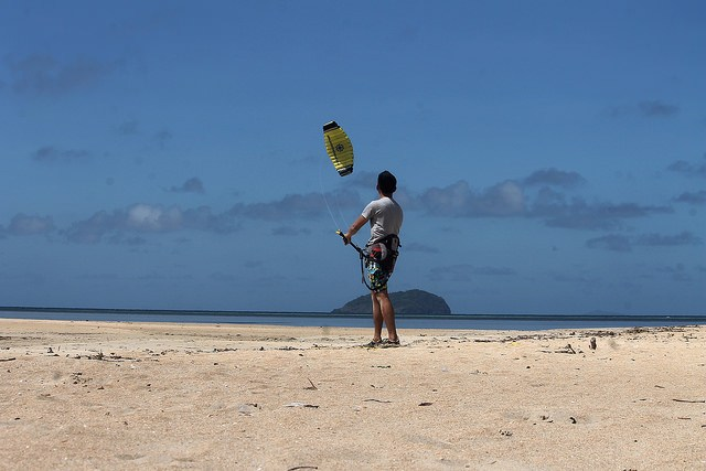 Edgar tries Kitesurfing in Cuyo