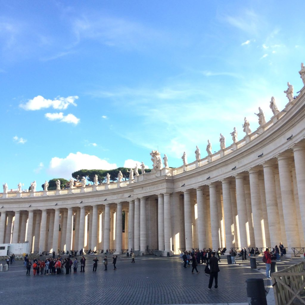 Strolling around St Peter's Square (Rome, Italy)