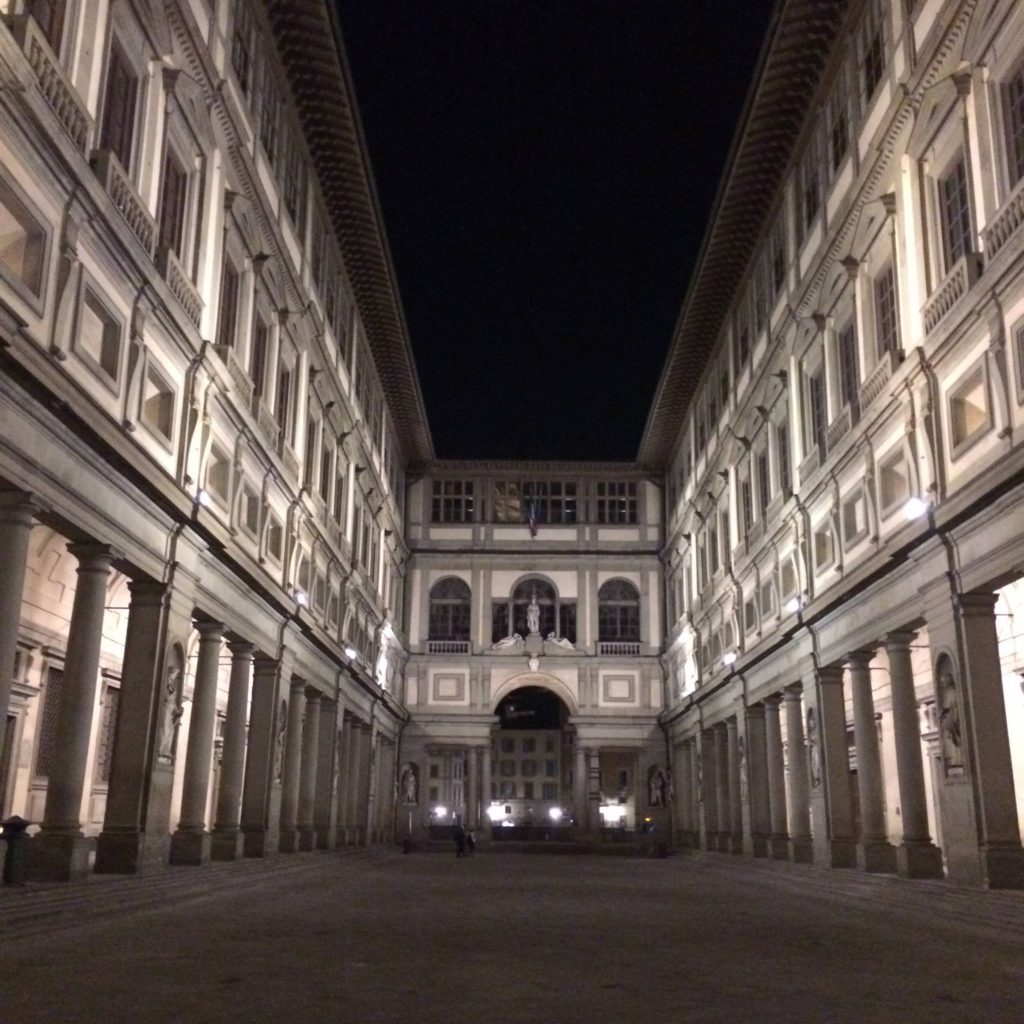 Walking from the Piazza della Signoria to Ponte Vecchio at midnight (Florence, Italy)