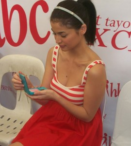 Anne Curtis loves the Sunset Party blush on from the San San Krisanne Coral Collection