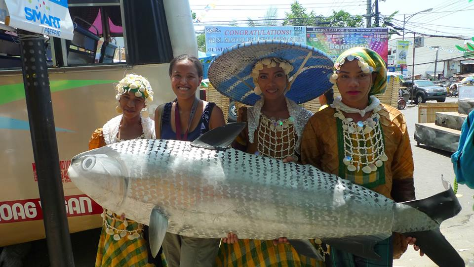 With the Bangus Festival dancers. Grilled Bangus din peg ko toinks