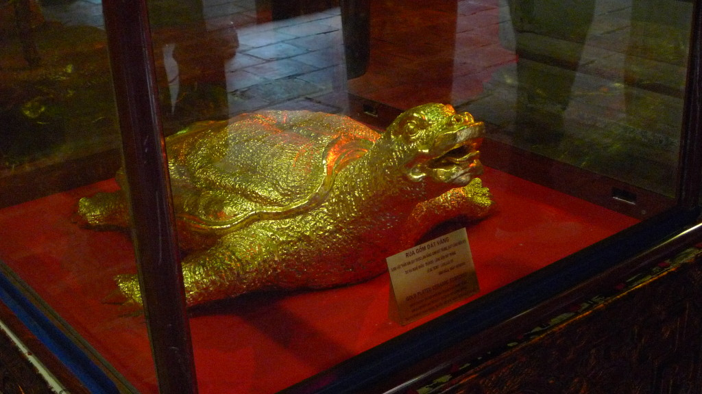 Hanoi-Vietnam-Temple-of-Literature-Gold-Turtle
