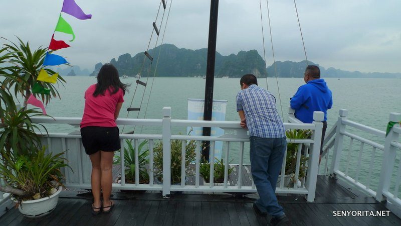 08-halong-bay-vietnam-tour