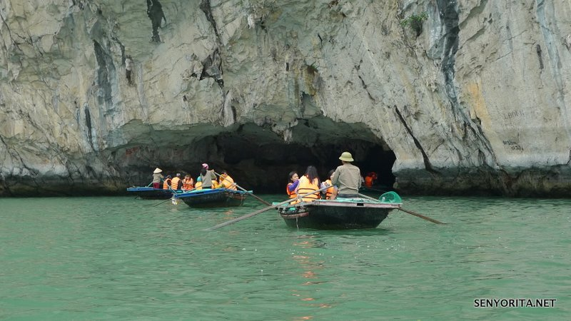14-halong-bay-vietnam-cruise-cave